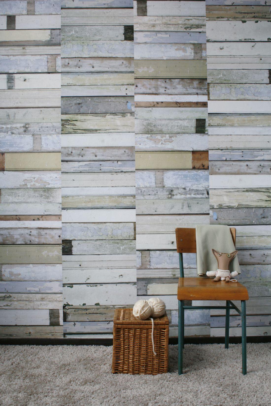 17ksl-living-papier-peint-effet-planches-de-bois-patinees-blanc-gris-par-studio-ditte.jpg
