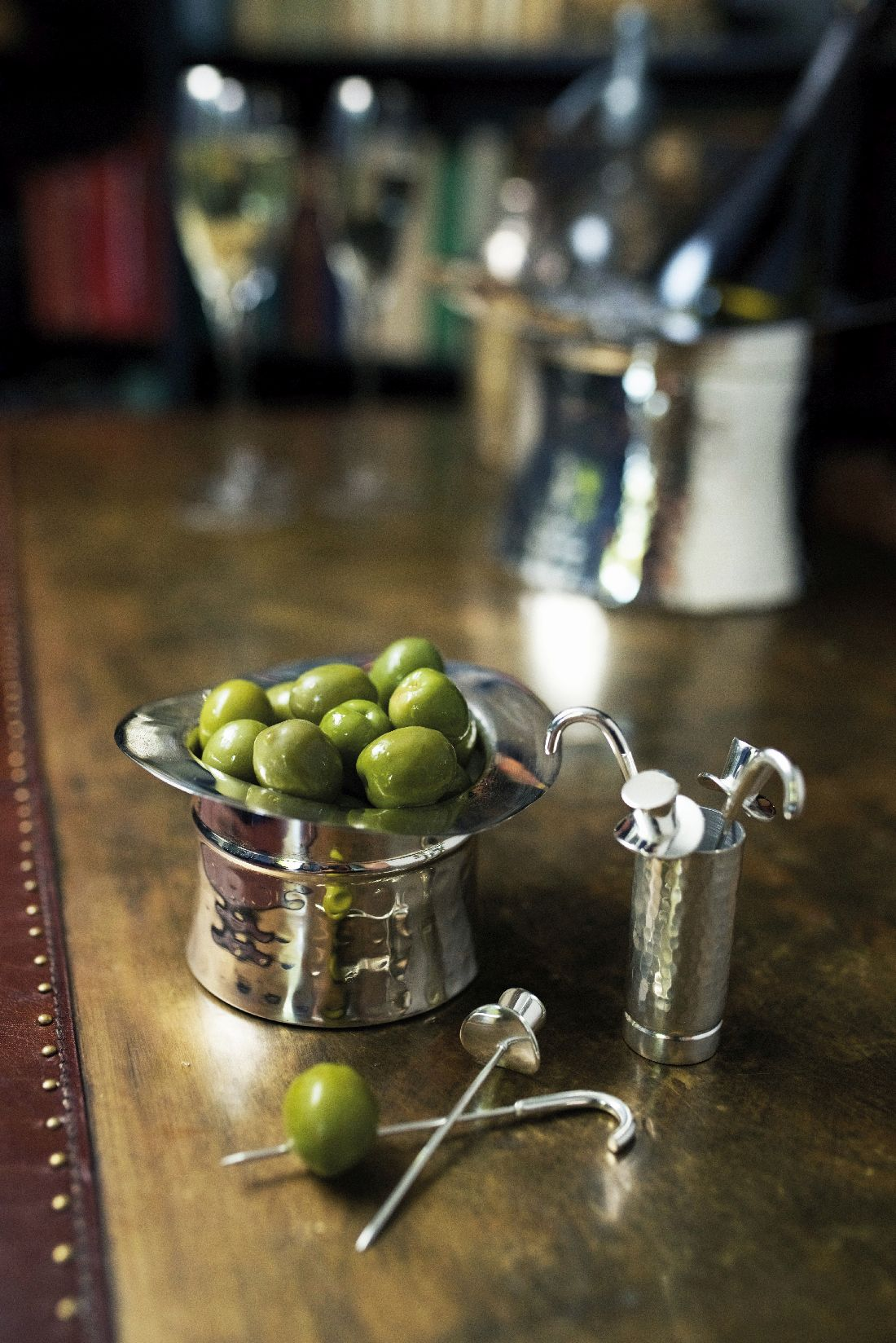 19annabel-james_top-hat-olive-picks-and-nibbles-bowl.jpg