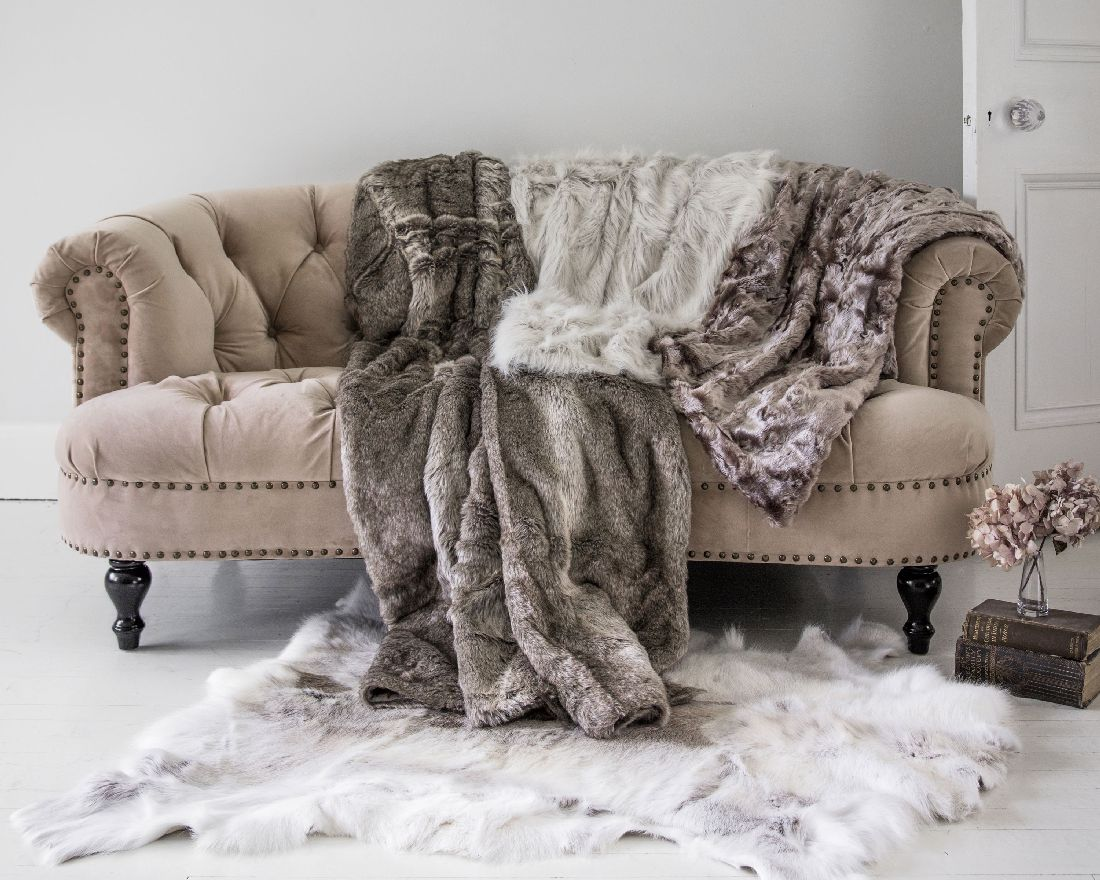 1the-french-bedroom-co._chablis-amp-roses-pink-velvet-sofa-lifestyle.jpg
