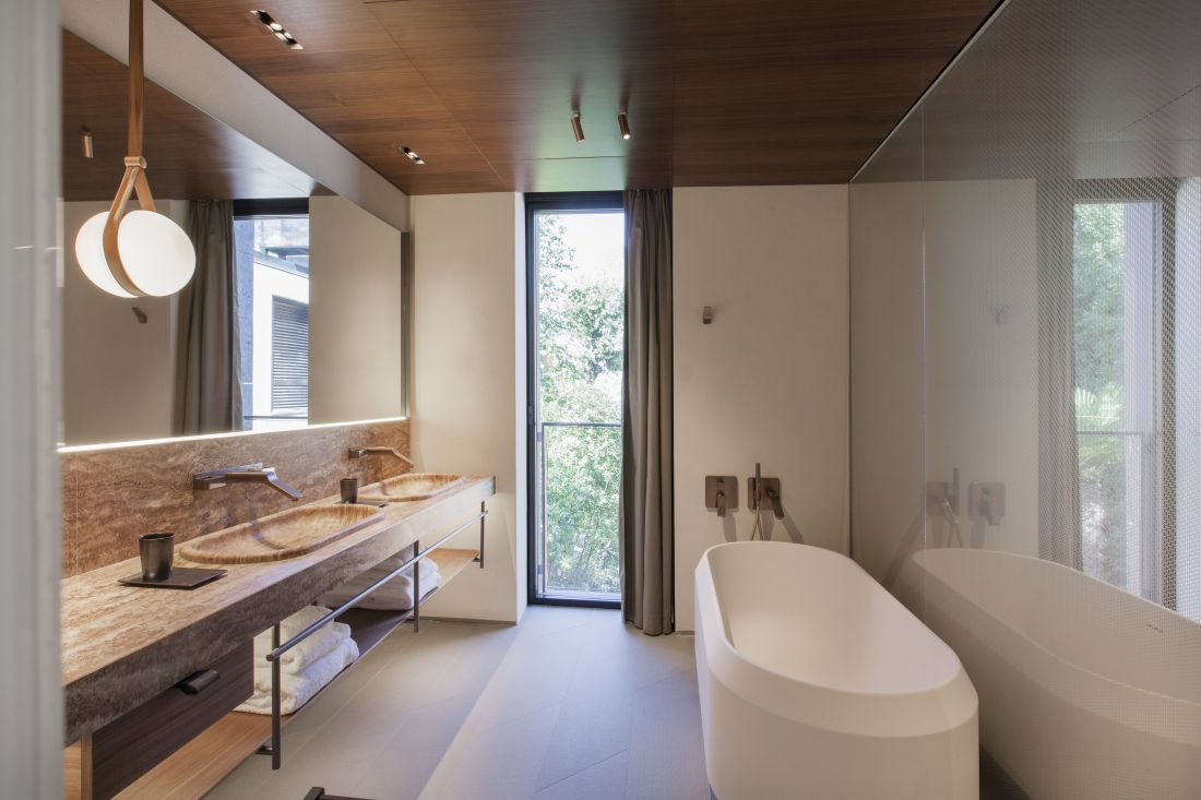 10axorbathroom-6_courtesy-of-il-sereno.jpg