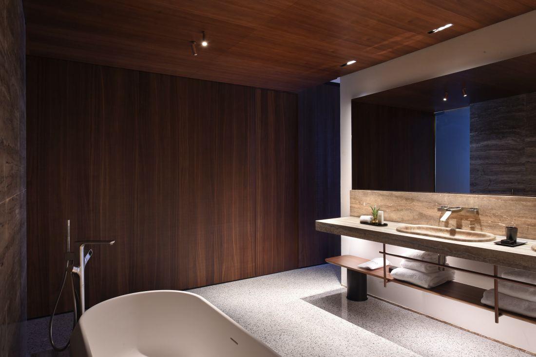 11axorbathroom-2_courtesy-of-il-sereno.jpg