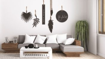 1lisasarah-designs-in-steel_tropical-bohemian-garden-art-352x198.jpg