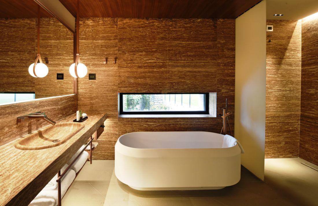 9axorbathroom-3_courtesy-of-il-sereno.jpg
