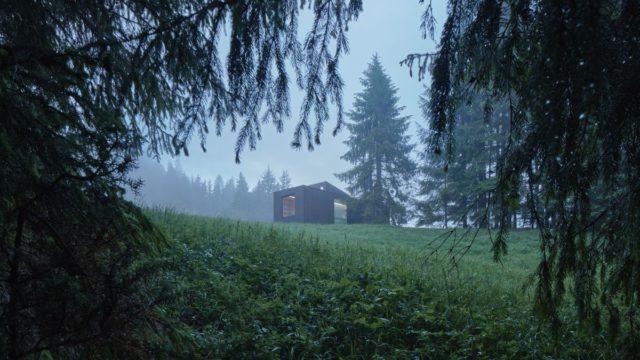 Do detailu pomyšlená chata vKysuci nabízí dokonalý únik od civilizace