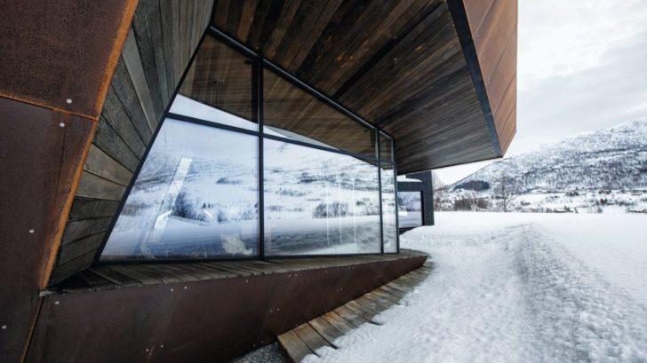 schueco_black-lodge_zdroj-foto-invit-arkitekter_alesund_johan-holmquist_10-728x409.jpg