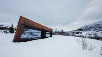 schueco_black-lodge_zdroj-foto-invit-arkitekter_alesund_johan-holmquist_11-352x198.jpg