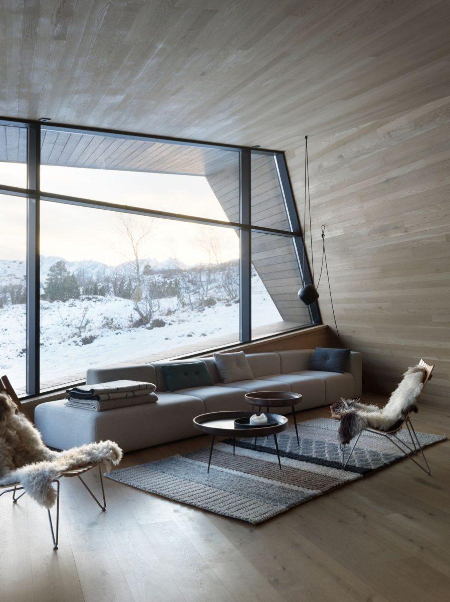 schueco_black-lodge_zdroj-foto-invit-arkitekter_alesund_johan-holmquist_3-1200x1200.jpg