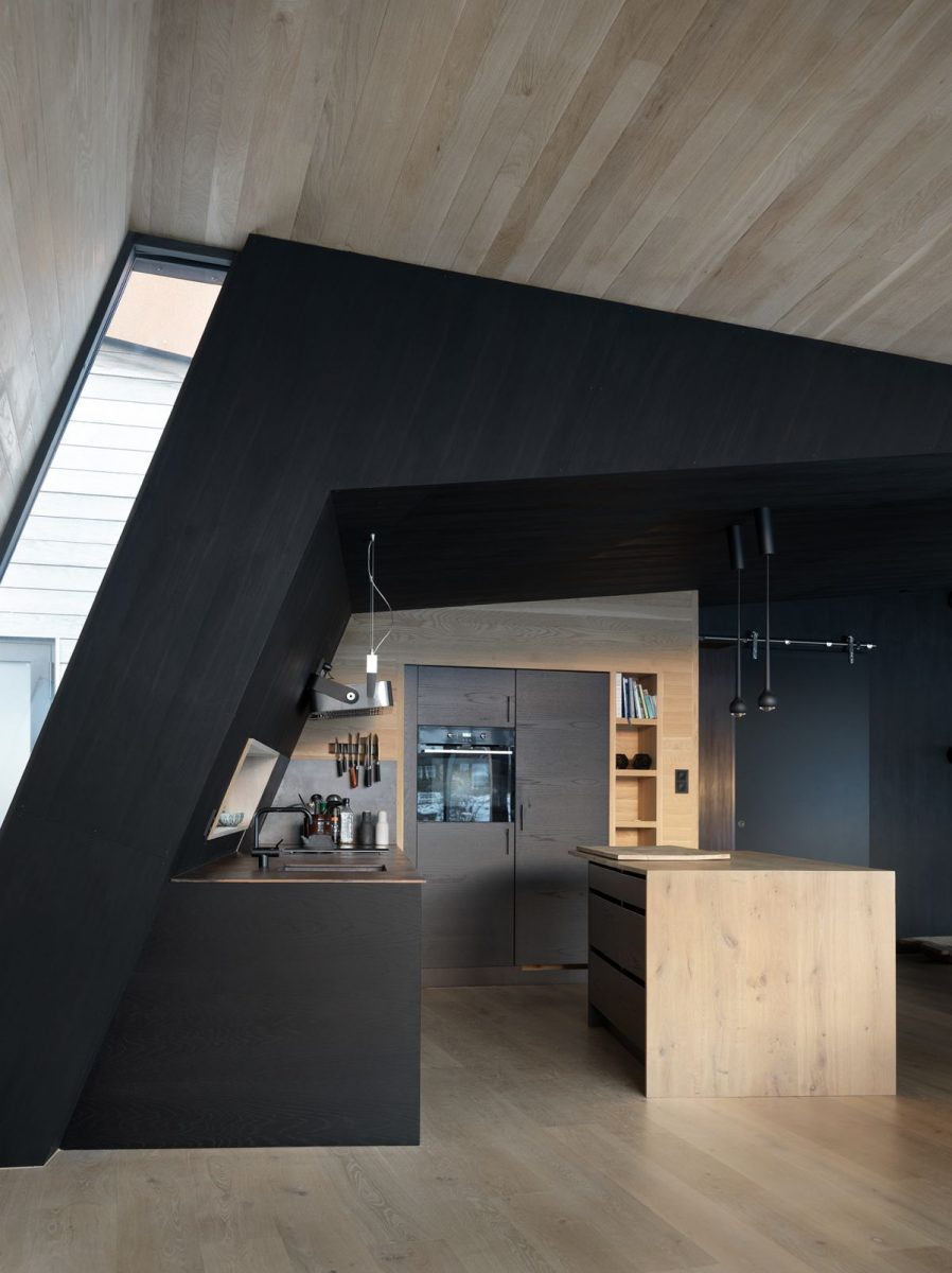 schueco_black-lodge_zdroj-foto-invit-arkitekter_alesund_johan-holmquist_4-1200x1200.jpg