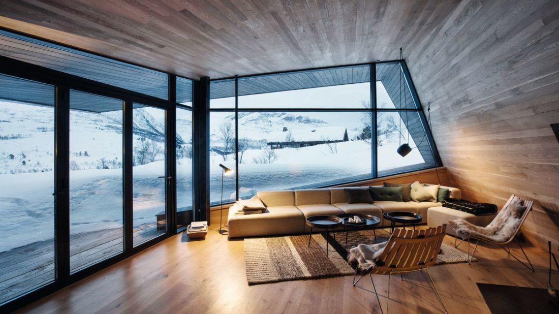 schueco_black-lodge_zdroj-foto-invit-arkitekter_alesund_johan-holmquist_5-1100x618.jpg