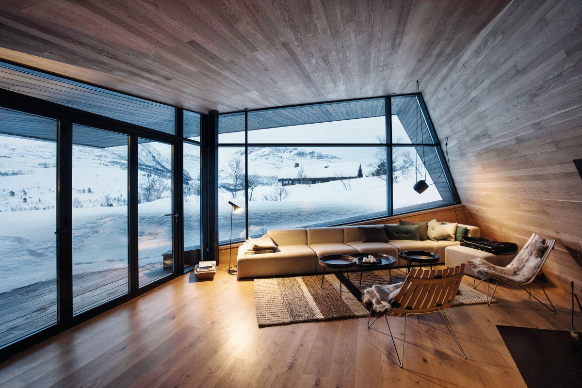schueco_black-lodge_zdroj-foto-invit-arkitekter_alesund_johan-holmquist_5.jpg