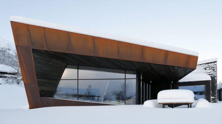 schueco_black-lodge_zdroj-foto-invit-arkitekter_alesund_johan-holmquist_8-728x409.jpg