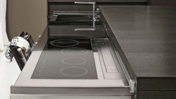 04_aran-cucine_met_cover-in-matt-wood-graphite-oak4-352x198.jpg