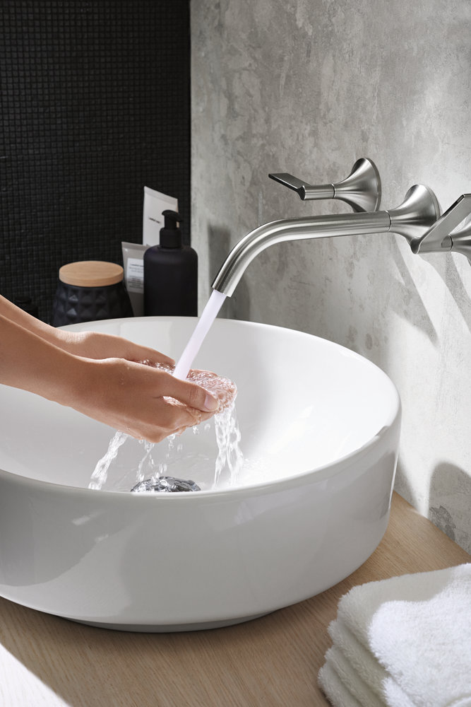 14-2018-bathroom-02-f-variform-washbasin-hotel.jpg_cz-cs_preview.jpg
