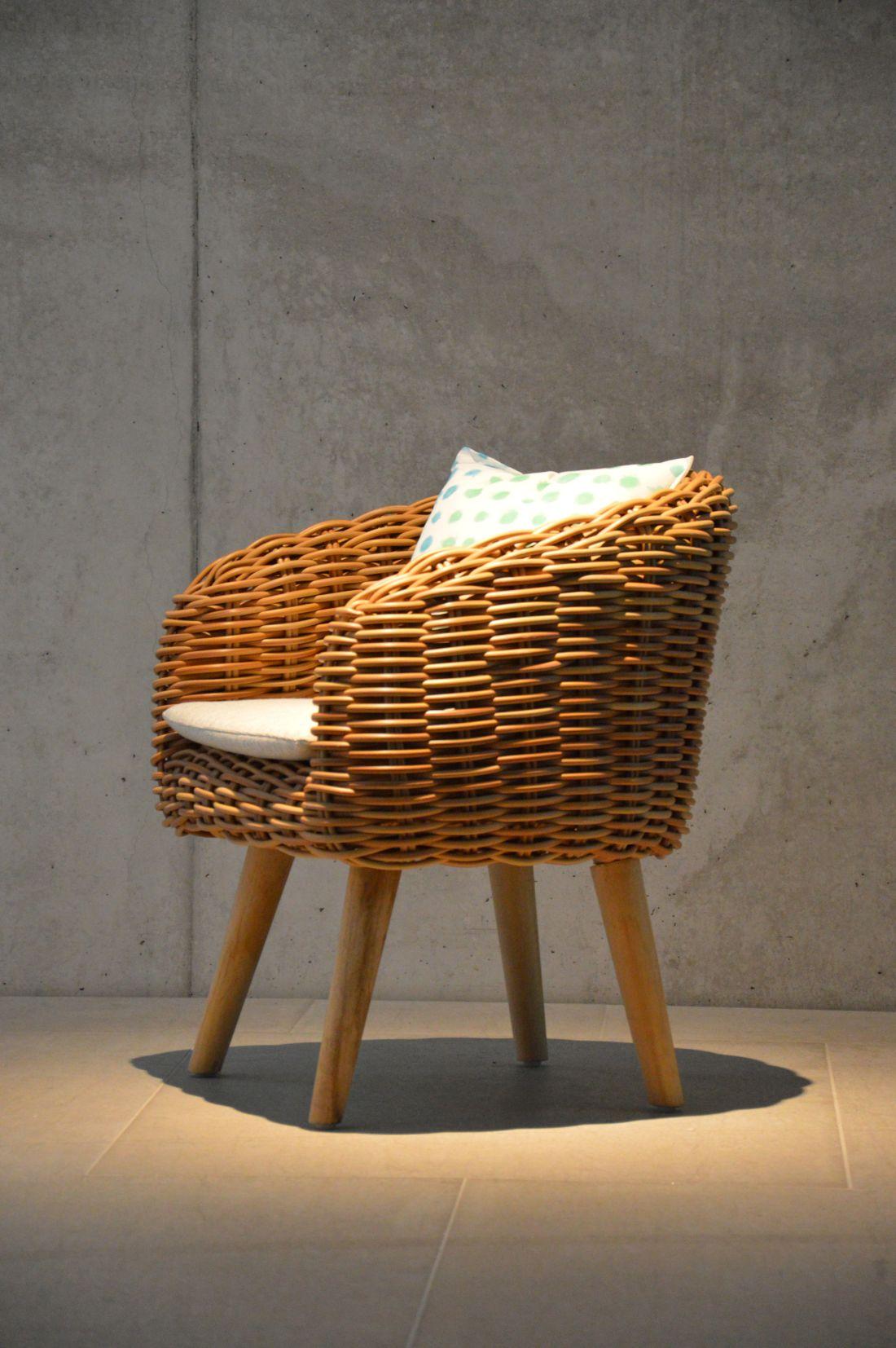 16ksl-living-fauteuil-forme-crapaud-en-rotin-synthetique-pour-interieur-exterieur-coloris-miel-springfield-par-jankurtz.jpg
