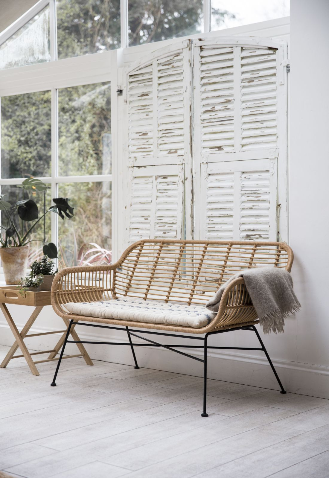18garden-trading_aw18-hampstead-bench-all-weather-bamboo.jpg
