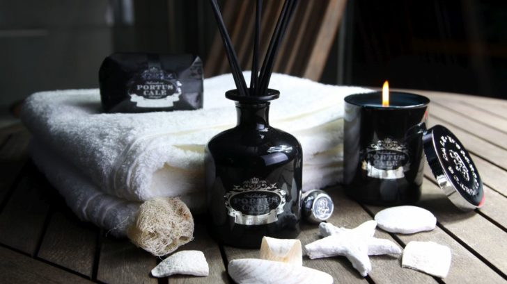 19the-french-bedroom-co_black-edition-scented-candle-by-portus-cale-lifestyle-728x409.jpg