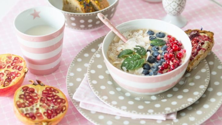 20takatomo.de_krasilnikoff-happy-bowl-streifen-pink-728x409.jpg