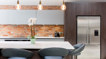 7modern-fitted-kitchen-with-exposed-brick-wall-352x198.jpg