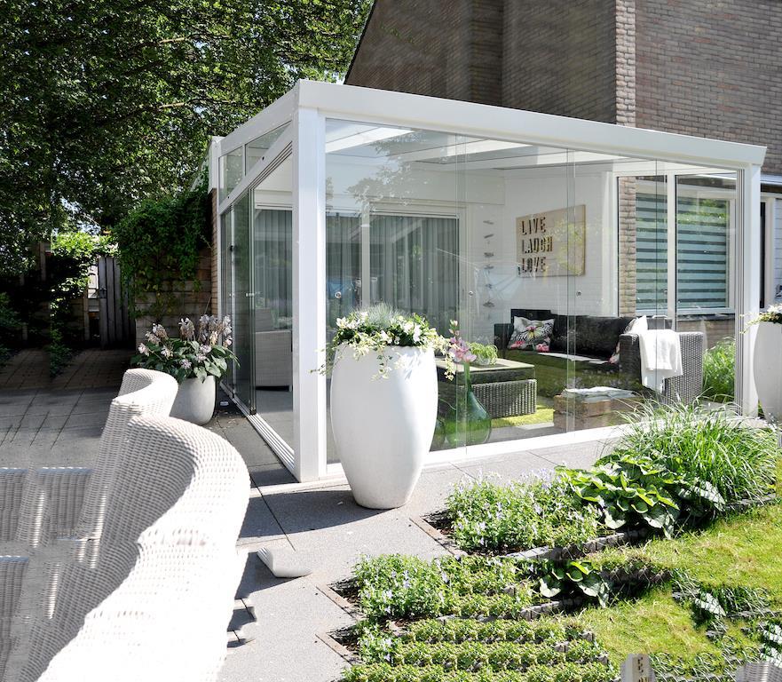 moderni-zimni-zahrada-z-hliniku-gardenroom.jpg