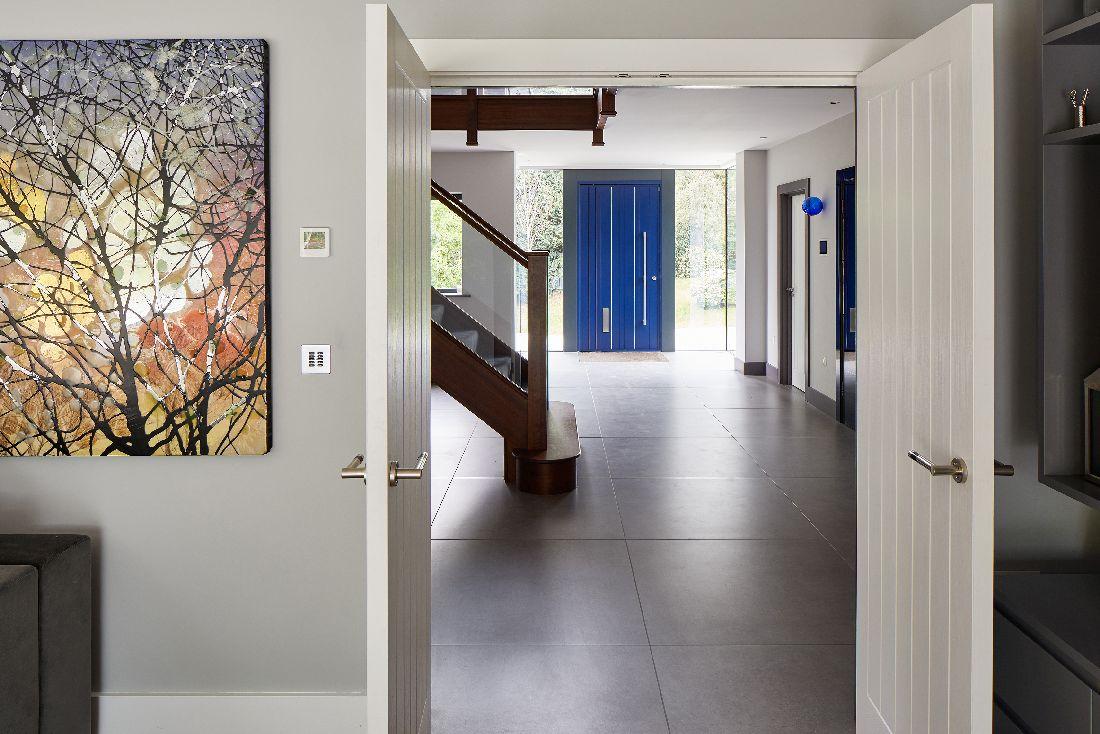 8urban-front_1blue-door-house.jpg