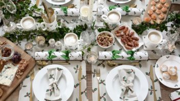 sophie-allport-holly-berry-collection-table-setting-352x198.jpg