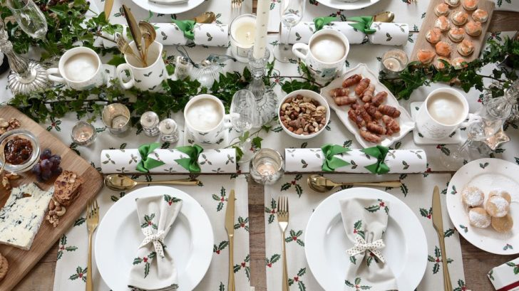 sophie-allport-holly-berry-collection-table-setting-728x409.jpg