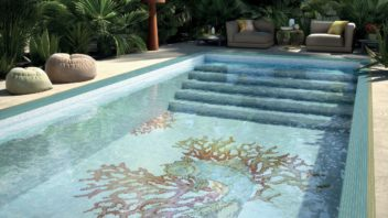 03_mosaico-royal-waves_piscine_coral-352x198.jpg
