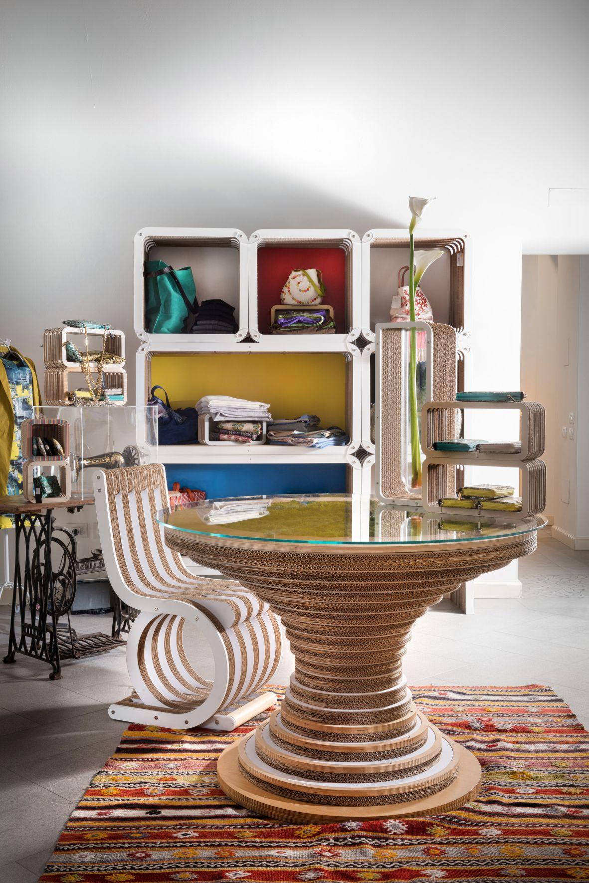 15lessmore_allestimento-showroom-lessmore-e-kaleydos-tsl.jpg