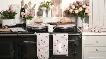 2sophie-allport-peony-kitchen-fabrics-lifestyle-352x198.jpg
