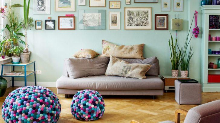 12myk_2x-pompon-pouf-pale-multicolor-image2-728x409.jpg