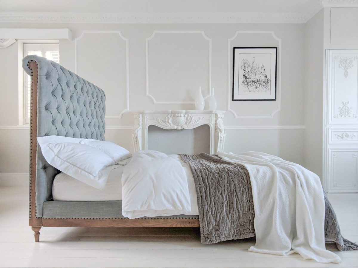 16the-french-bedroom-co_lottie-low-footboard-chesterfield-bed-lifestyle-1200x1200.jpg