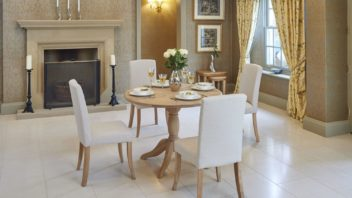 3bridgman_106cm-lambourne-dining-table-with-4-buckingham-dining-chairs-352x198.jpg