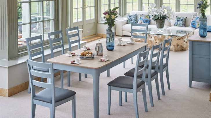 4bridgman_newbury-rectangular-extending-table-with-eight-guernsey-dining-chairs-728x409.jpg