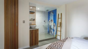 7jennoliart_feature-shower-tile-mural-352x198.jpg