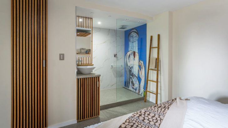 7jennoliart_feature-shower-tile-mural-728x409.jpg