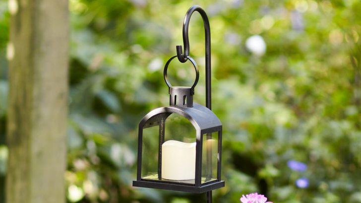 10lights4fun_shepherds-hook-garden-lantern-728x409.jpg