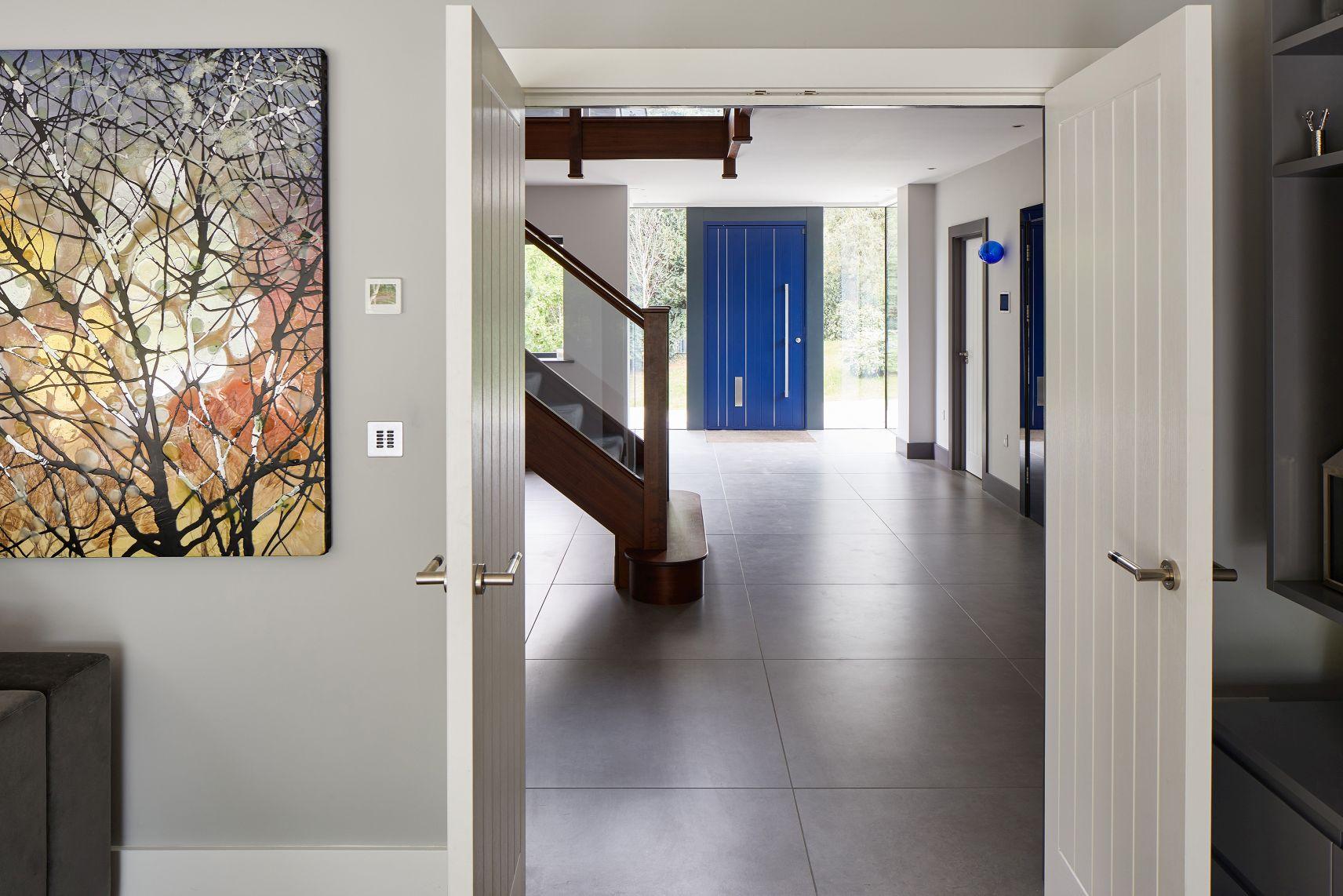 6urban-frontblue-door-house.jpg