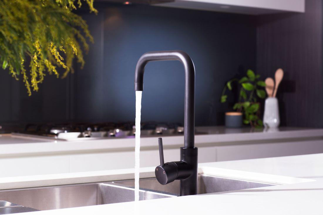 8meir-australia-pty-ltd_3round-matte-black-kitchen-mixer.jpg