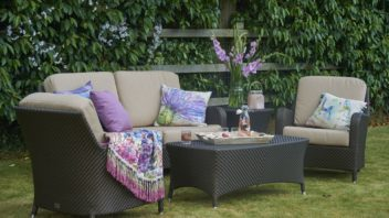 11bridgamnspring-garden-_-windsor-lounging-sofa-set-352x198.jpg