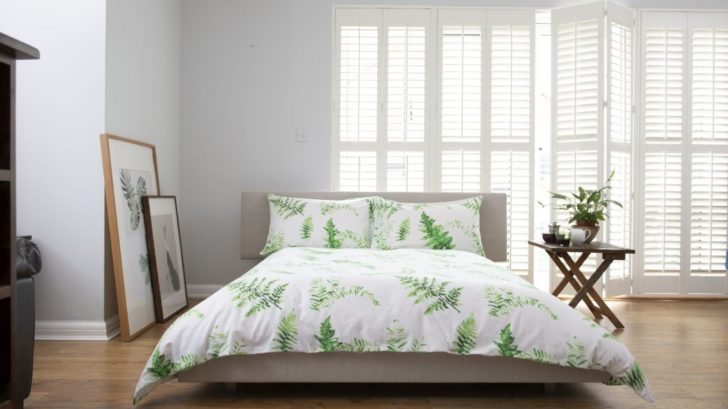 1the-french-bedroom_fern-green-bed-linen-set-lifestyle-728x409.jpg