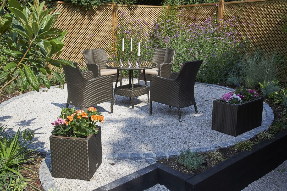 5bridgmanoutdoor-dining-_-rattan-90cm-windsor-round-dining-table-with-4-windsor-dining-armchairs-bronze-1200x1200.jpg