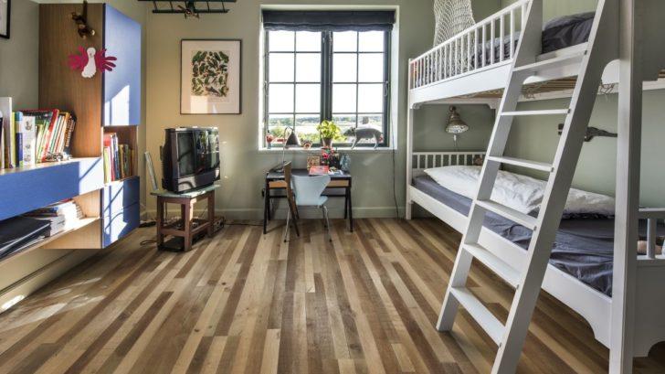 drevena-podlaha-kaehrs_dekor-dub-indietro_zdroj-kpp-728x409.jpg