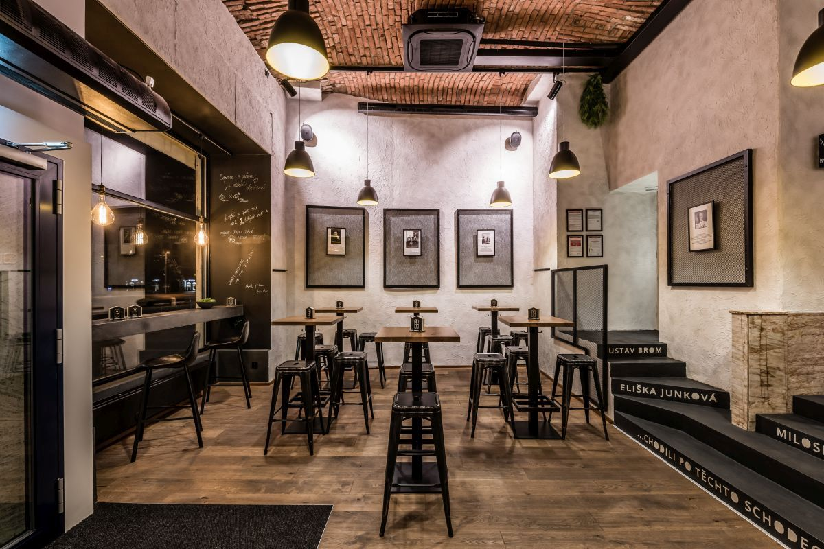 restaurace-u-tomana_podlahy-kolekce-kaehrs-piacente_dekor-dub-terrano_zdroj-dum-u-tomana_10.jpg