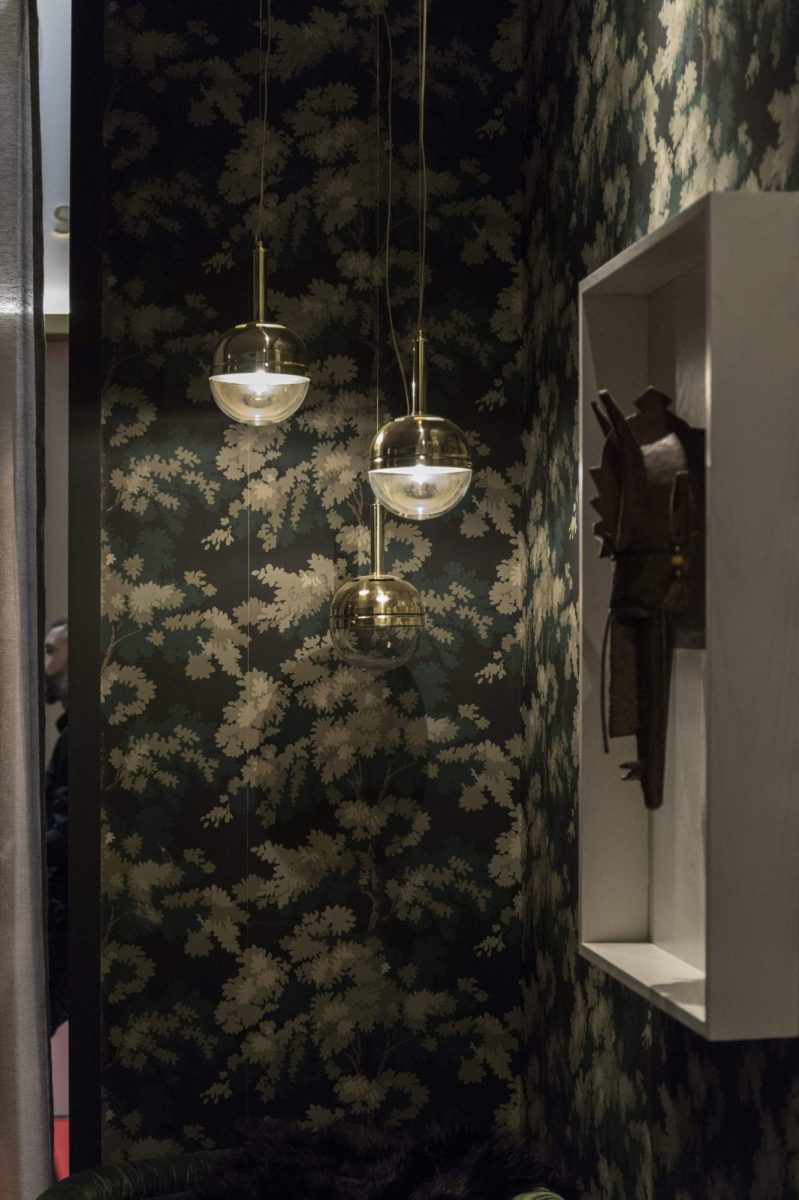 22brabbu-design-forces_floral-wallpaper-with-niku-pendant-light-1200x1200.jpg