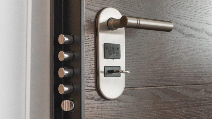 1door-1089560-728x409.jpg
