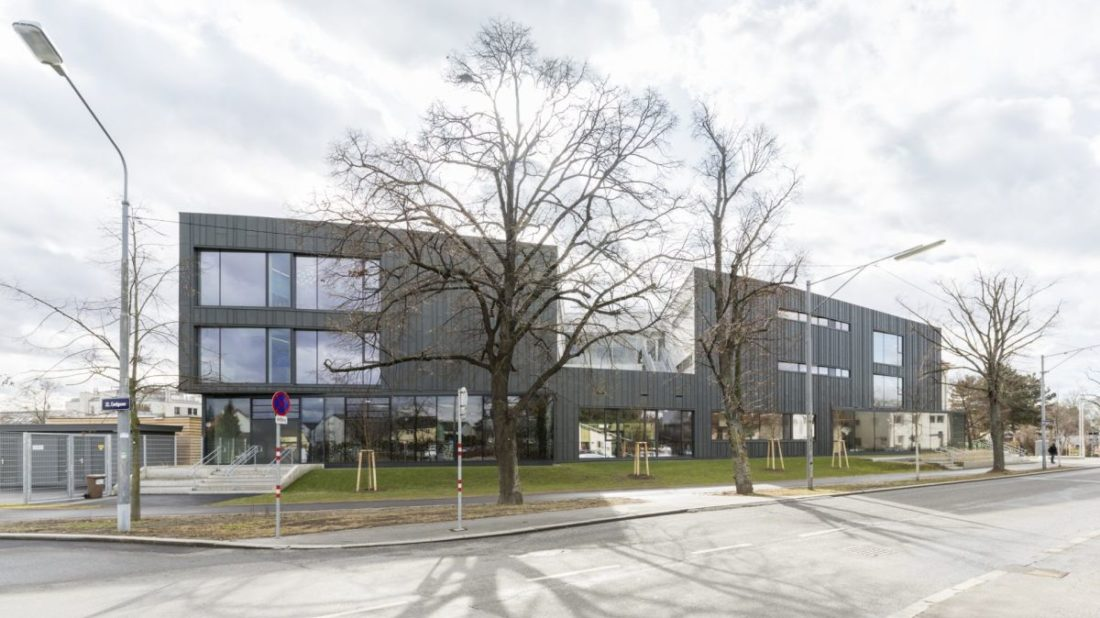 volksschule-essling_5_autor_nmpb-1100x618.jpg