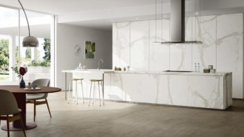 04_ss_calacatta_white_mirrored_amb1-352x198.jpg