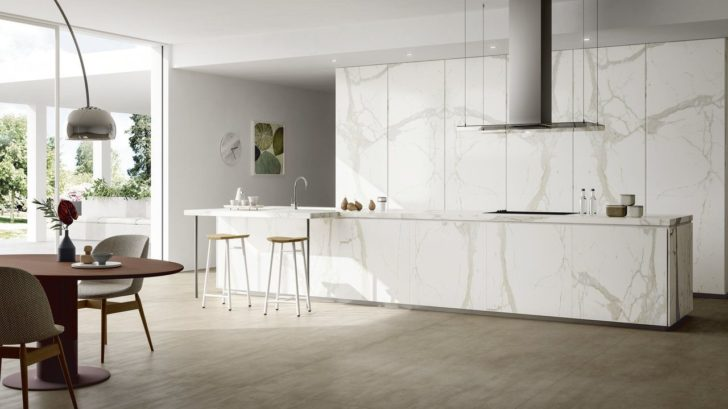 04_ss_calacatta_white_mirrored_amb1-728x409.jpg