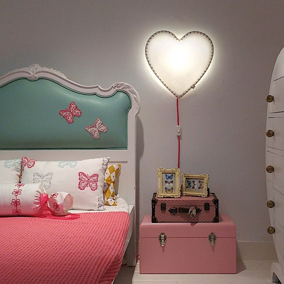 17nedgisapplique-murale-soft-light-blanc-rose-led-l46cm-h48cm-buokids-1200x1200.jpg