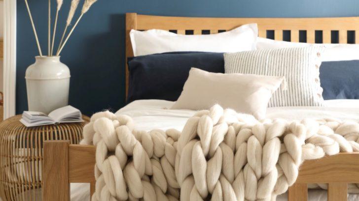 5fc-bergamo-solid-oak-double-bed-1al349.99-www.furniturechoice.co_.uk_-728x409.jpg